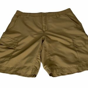 Magellan Outdoors Men's Tan Shorts Size 32